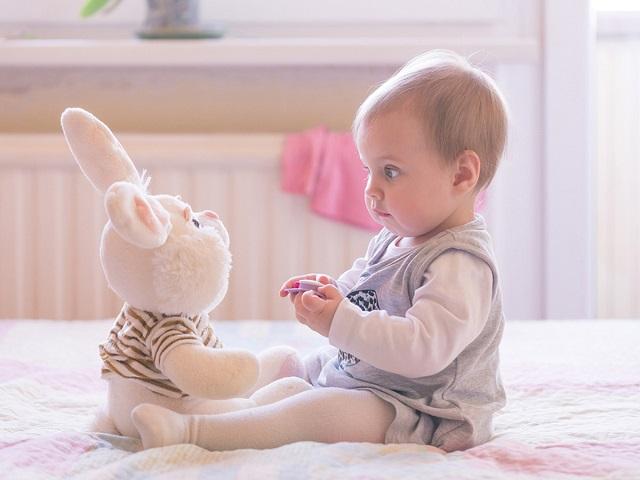 neonato 9 mesi