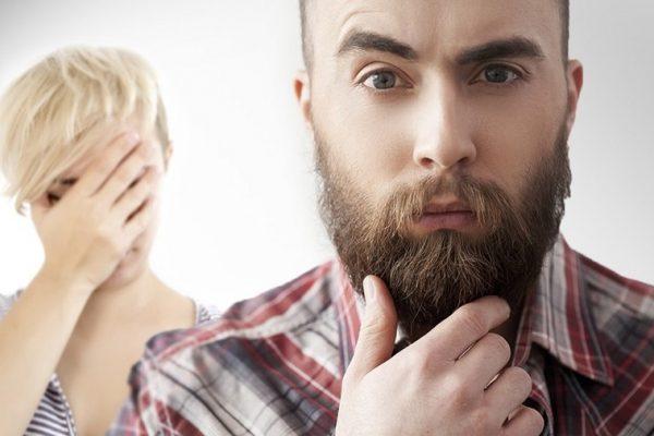 foto_tradimento_uomo con barba