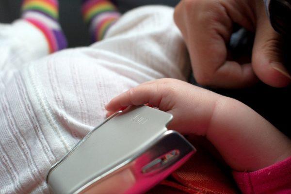 foto_neonato in aereo